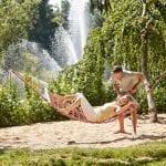 Kurpark Bad Wörishofen Paar in Hängematte